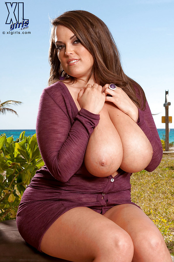 thick big tit chicks