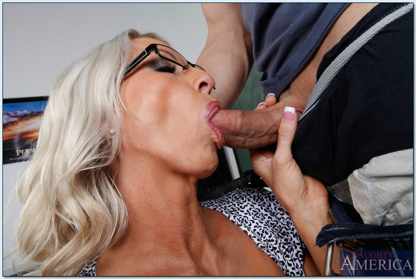 Mature reality cum shot