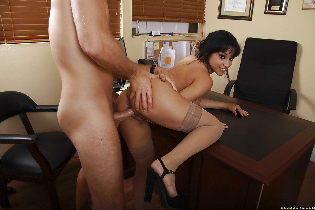 Slutty sexy secretary get fucked