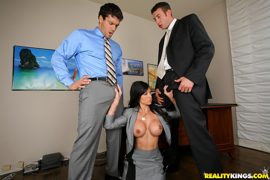 Job interview leads to threesome - Porn Video 421 Tube8
