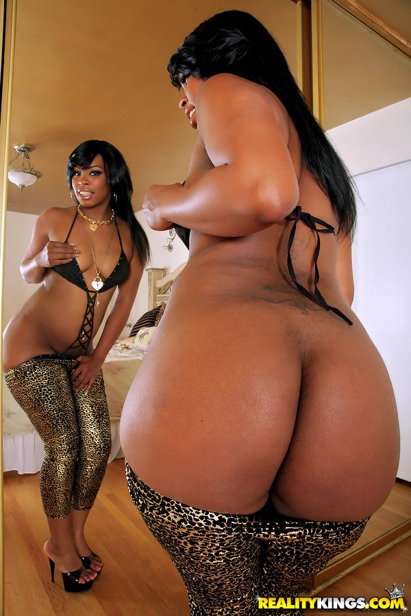phattest black booty in the world naked