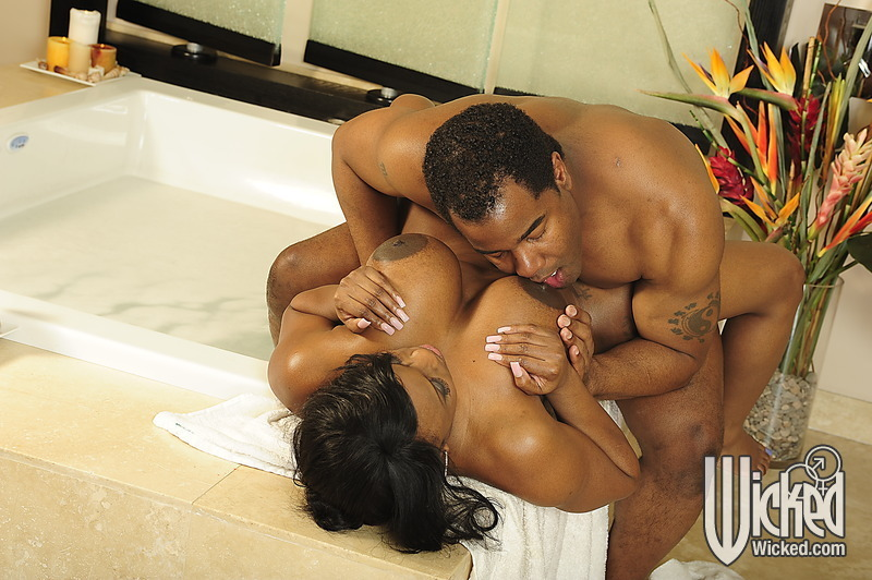 chubby big tit milf - ... Chubby ebony MILF with big tits fucking hardcore in the bath ...