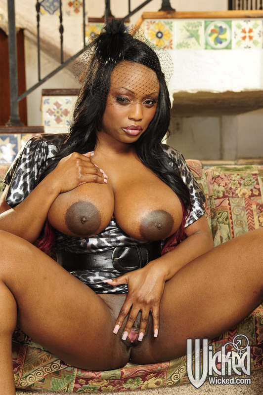 Huge Tit Ebony Milf