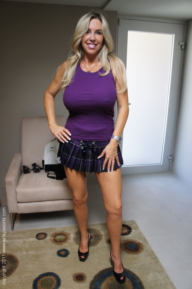 Are Sexy tight skirt milf apologise