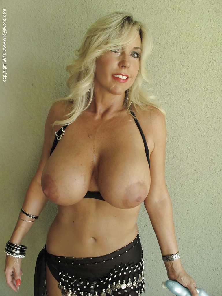 Mature saggy tits big hips milf