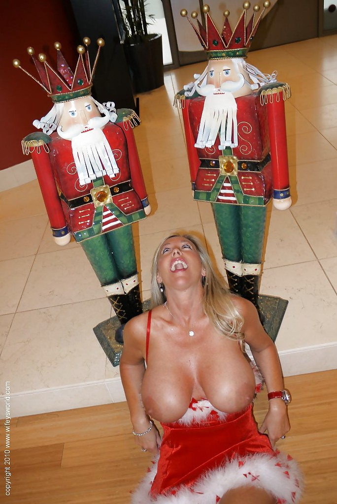 Busty blonde wifey christmas babe