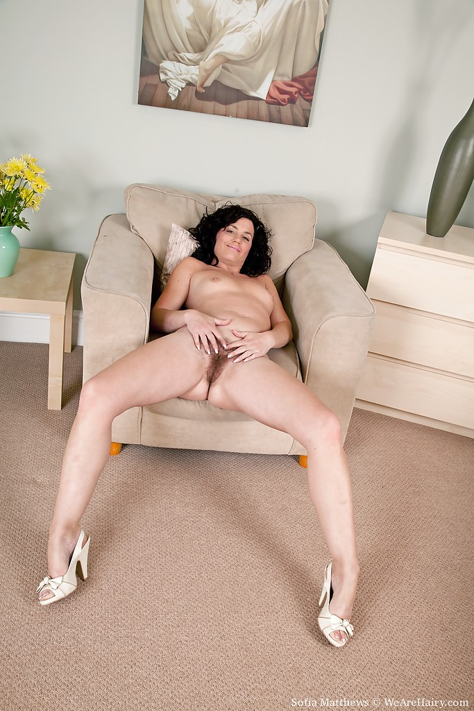 Hot babe sofia teases long sexy legs and tapered high heels for your fetish 9