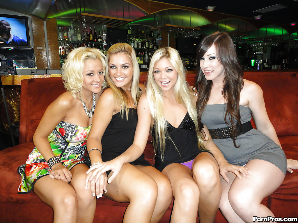 stripper club girls naked