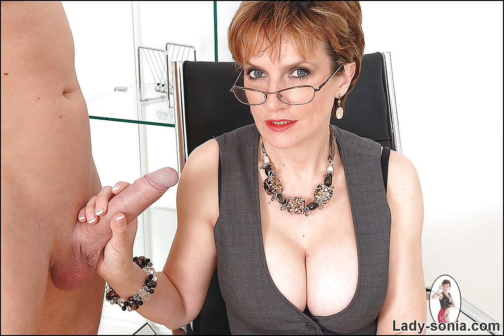 Free lady sonia handjob videos, italian porn videos