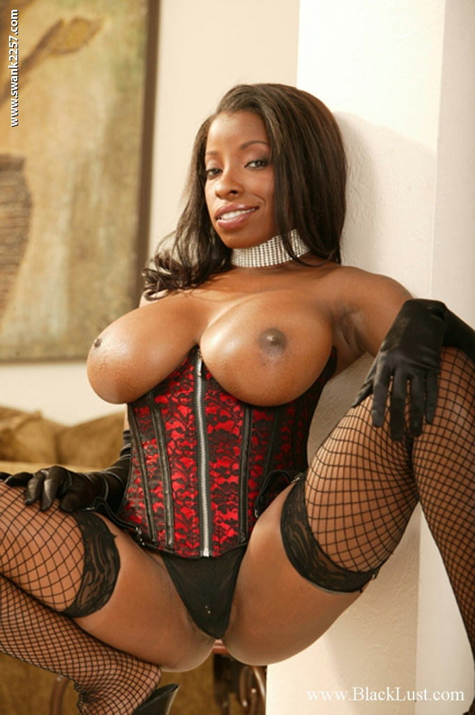 Amateur mature black lingerie not right