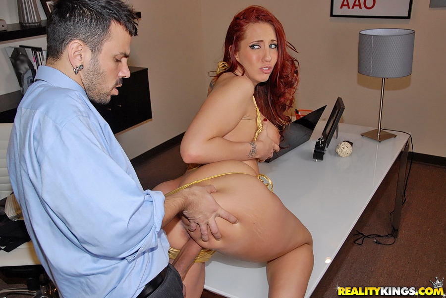 ... Kelly Divine gets a cumshot on her feet after hardcore fucking ...