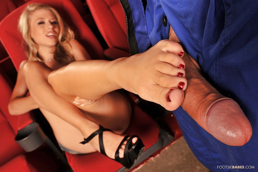 Opinion Michelle moist footsie babes recommend