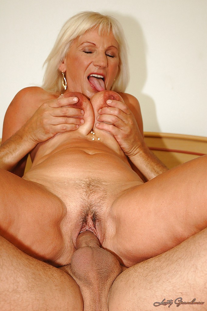 Blonde mature fingered and fucked