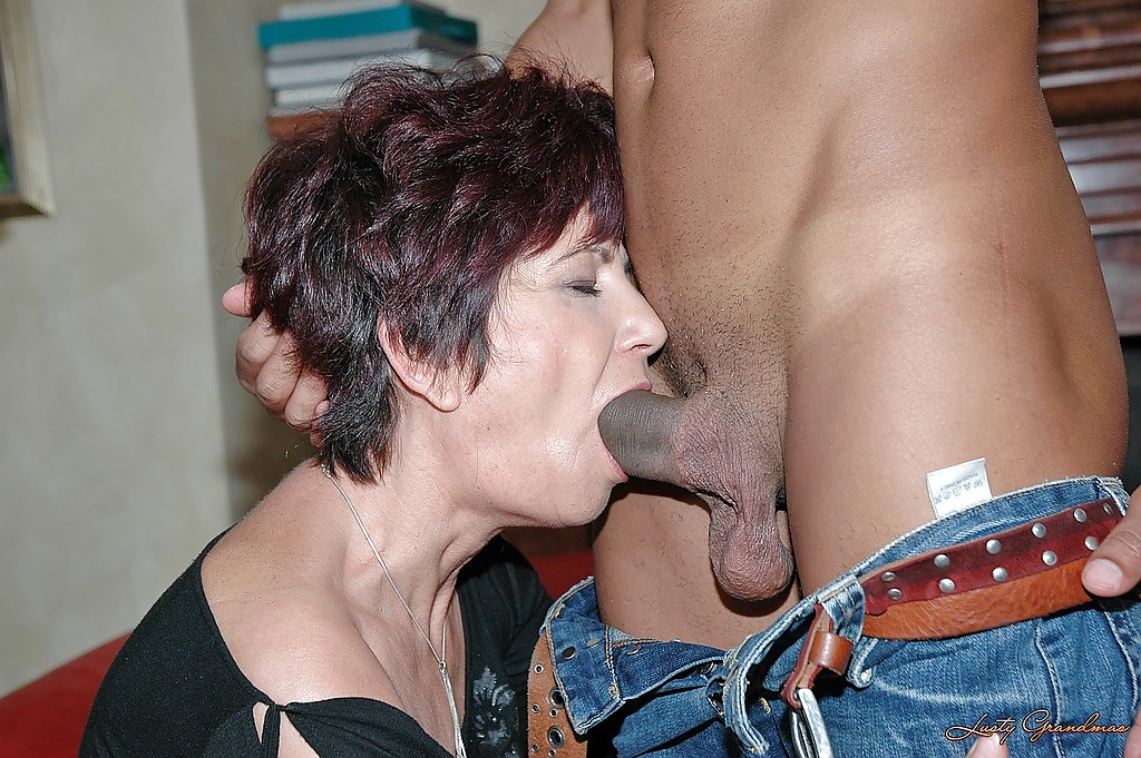 Moms sucking black cock