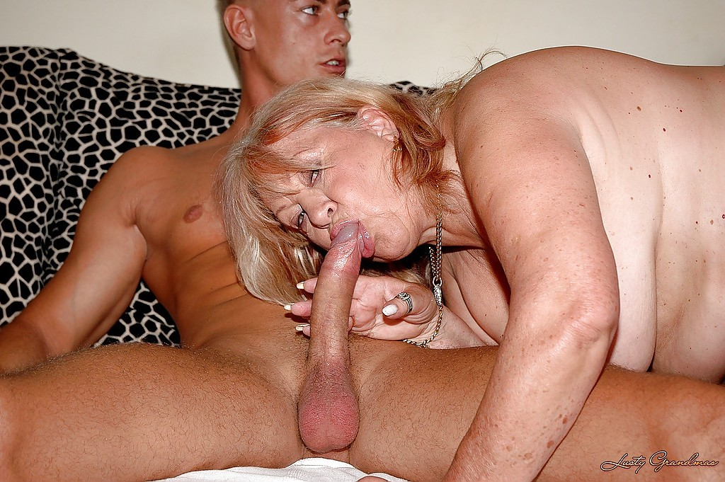 Amateur Milf Young Guy Blowjob