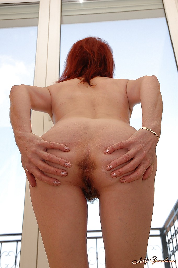 Hairy ass granny — pic 14