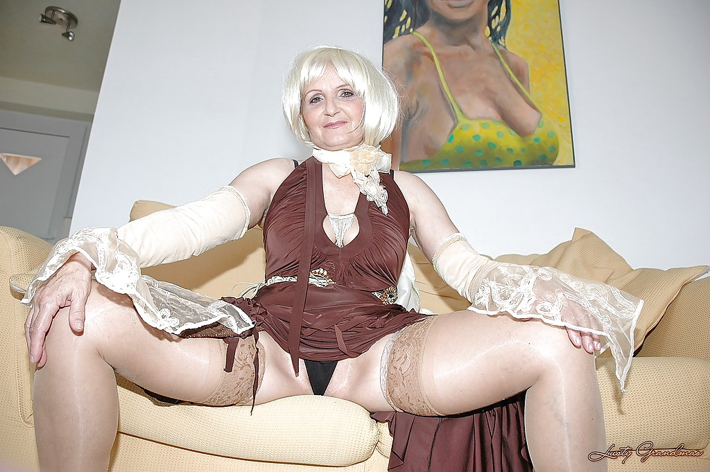 Mature hairy granny upskirt