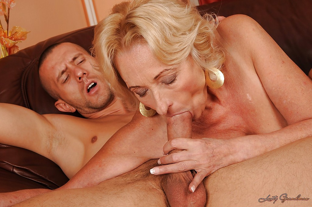 lusty-grandma-has-her-juicy-cunt-penetrated-erotic-lesbians