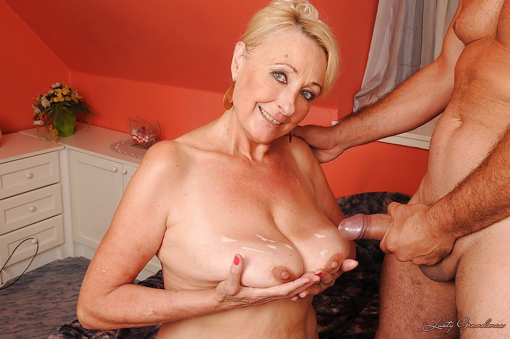 Granny like her tits cum creamed