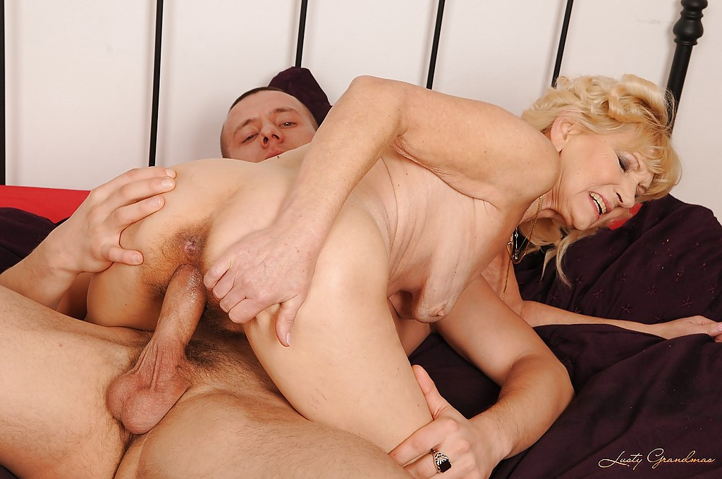 Free download watch sexy old granny fucks young grandson porn images