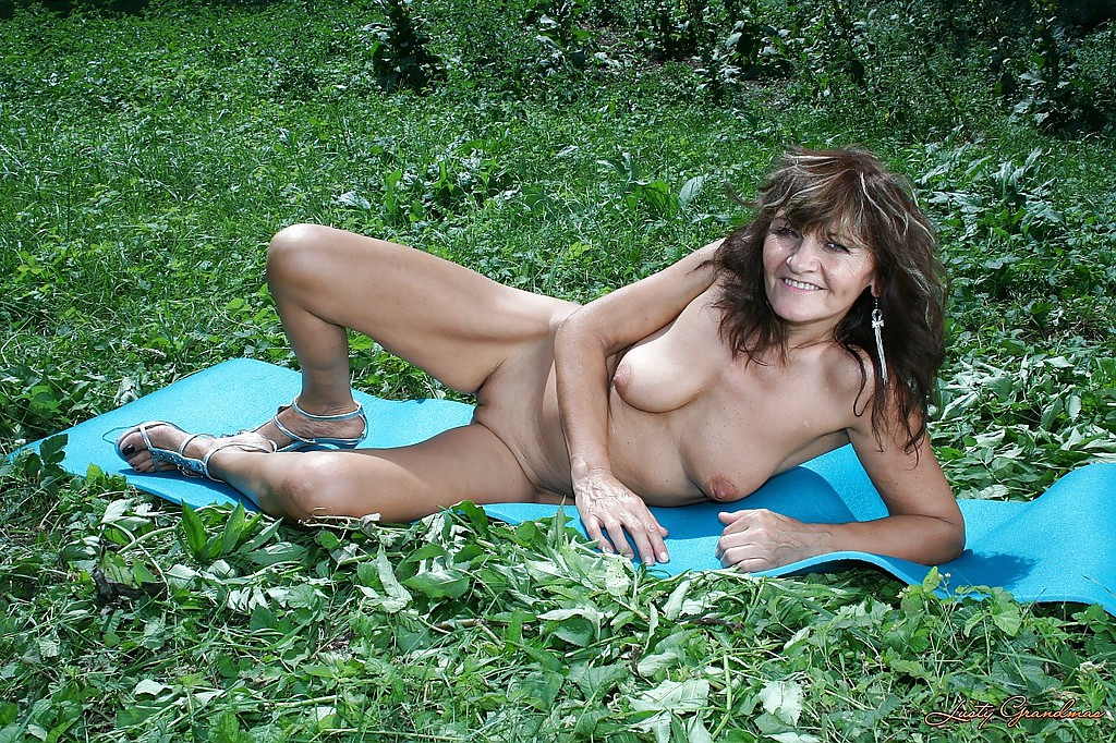 Naked granny outside pics really