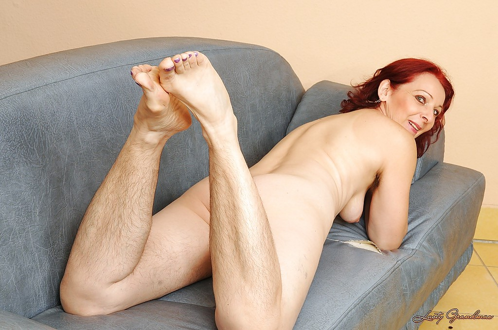 Hairy armpit mature @ Smutty Moms