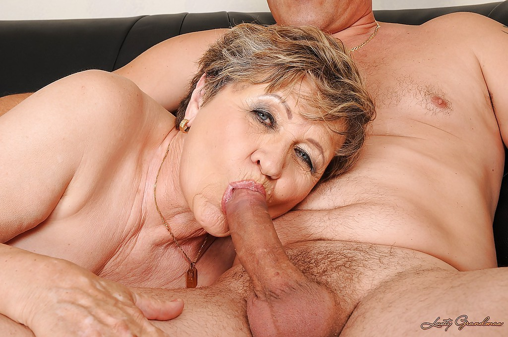 Granny gives blowjob