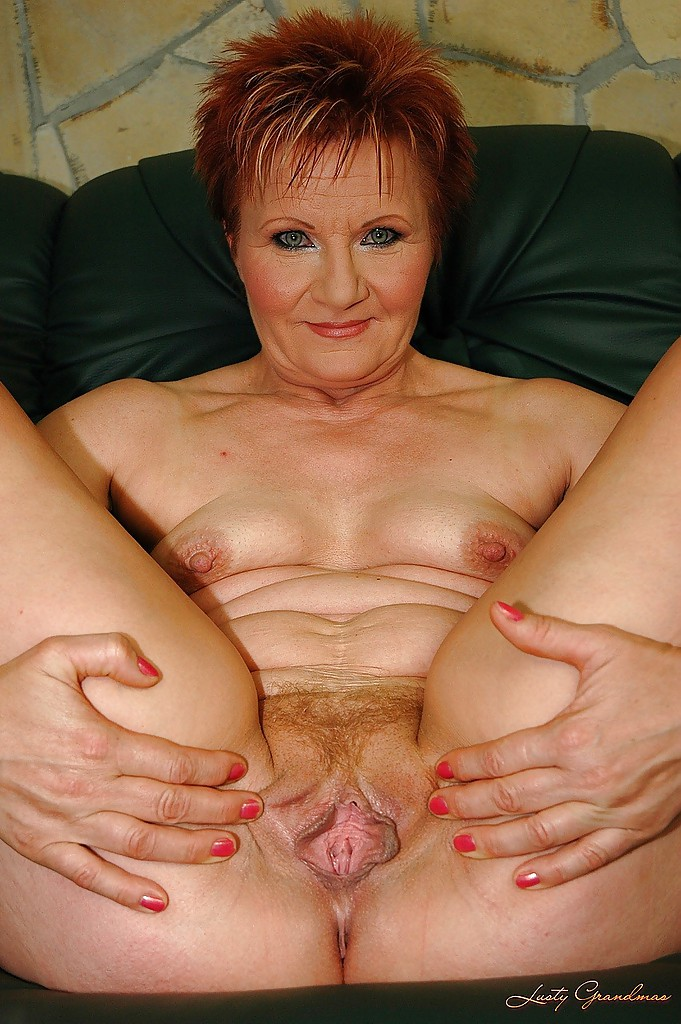 Shaved mature cunt pics