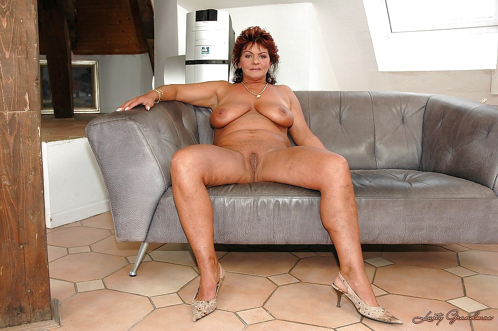 Big cock beauty shemele