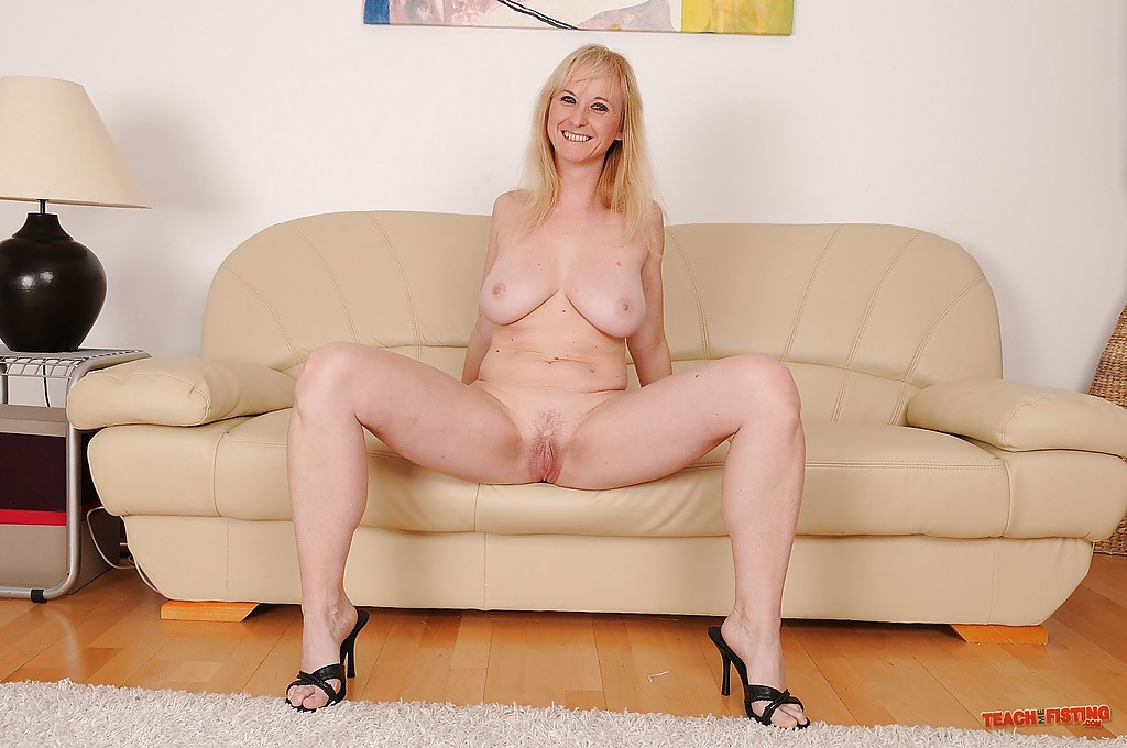 Amateur nudist family sex