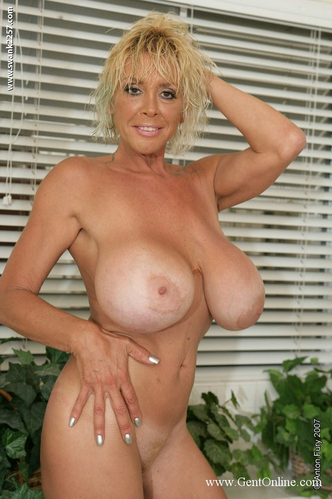 mature nude boobs Blonde