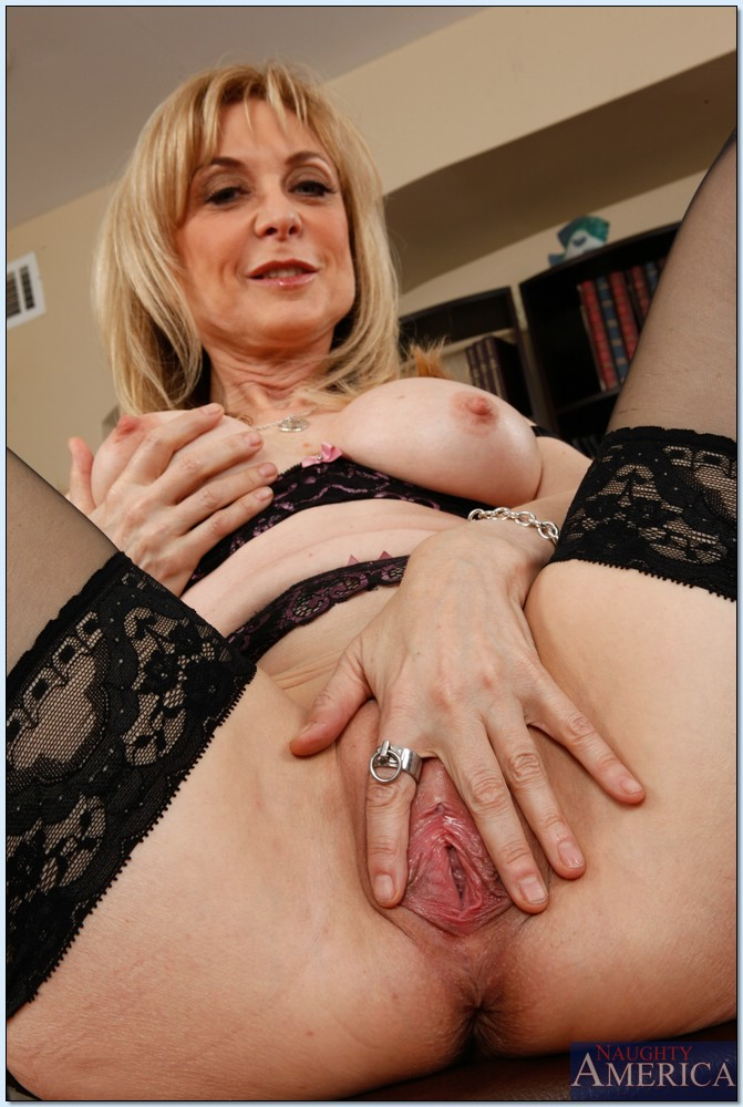 Nina Hartley Naughty America