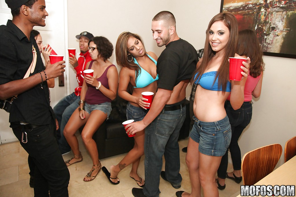 Slutty babes Sabrina Taylor  Jackie Cruz are into groupsex at the party