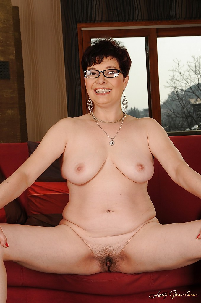 Shorthaired chubby in glasses rough bang 3