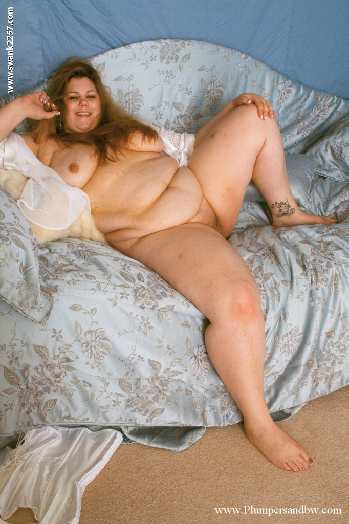 nude fat girl thighs