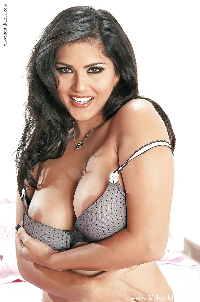 sunny-leone-milfs-uncensored-amateurs