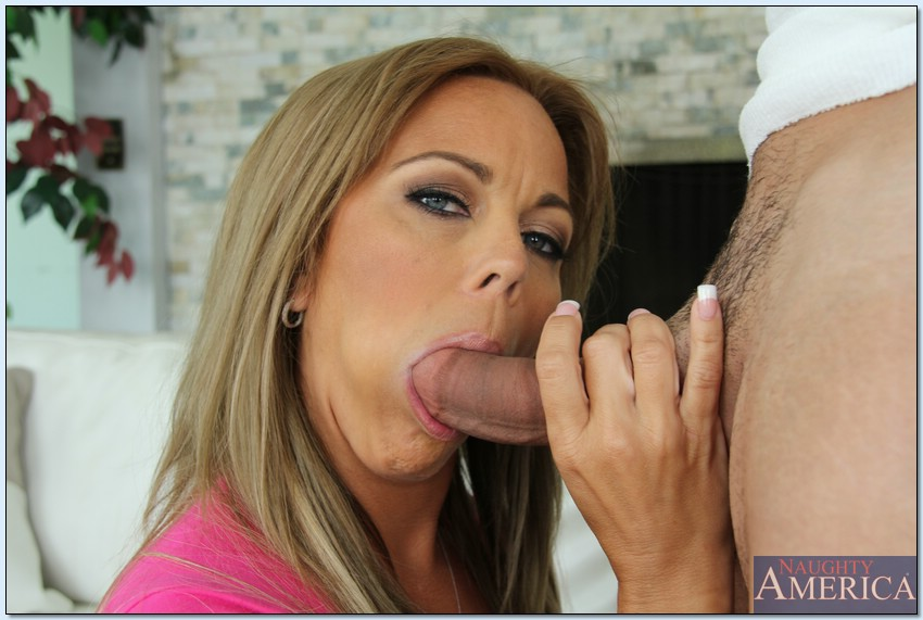 hot blowjob milf The drop dead hot bl.