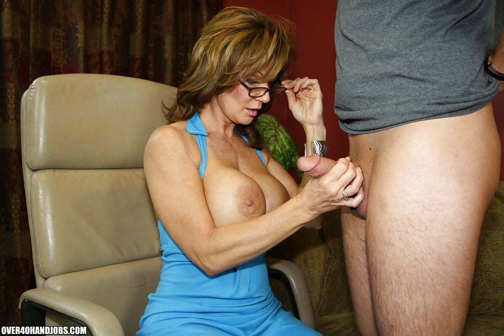 Hand job mommy picture