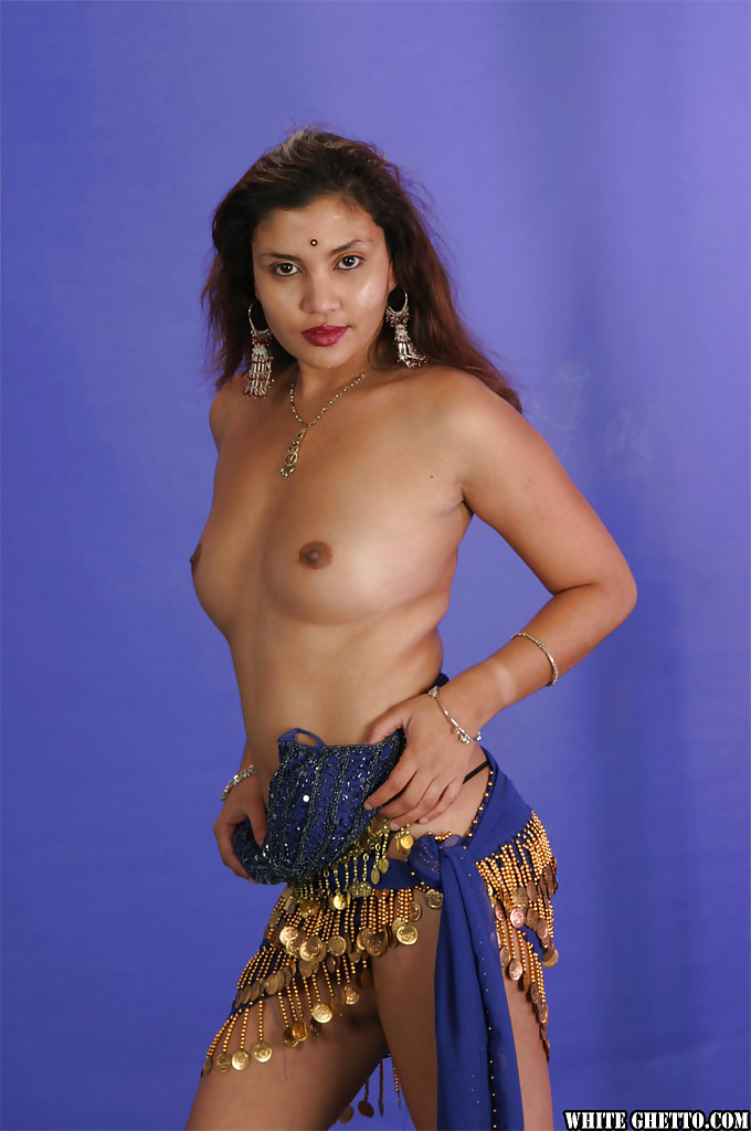 Bollywood babe dances slowly for me