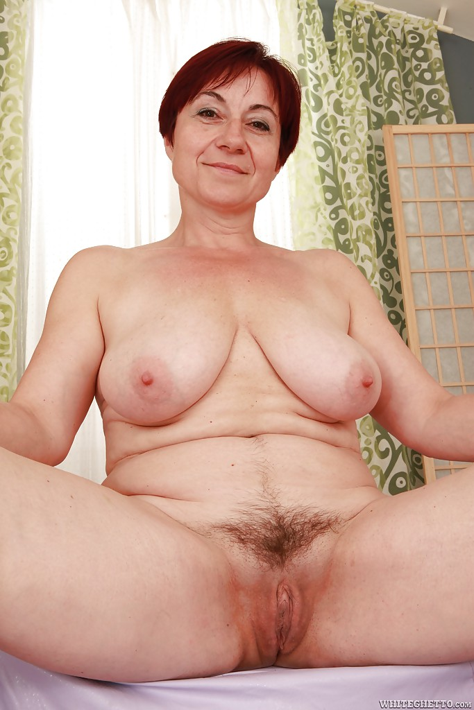 Help you? Busty chubby mature mom spreads her legs words
