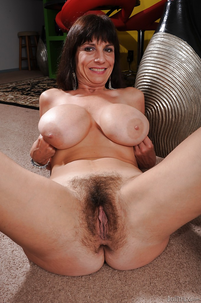 Milf with black cock accidental creampie