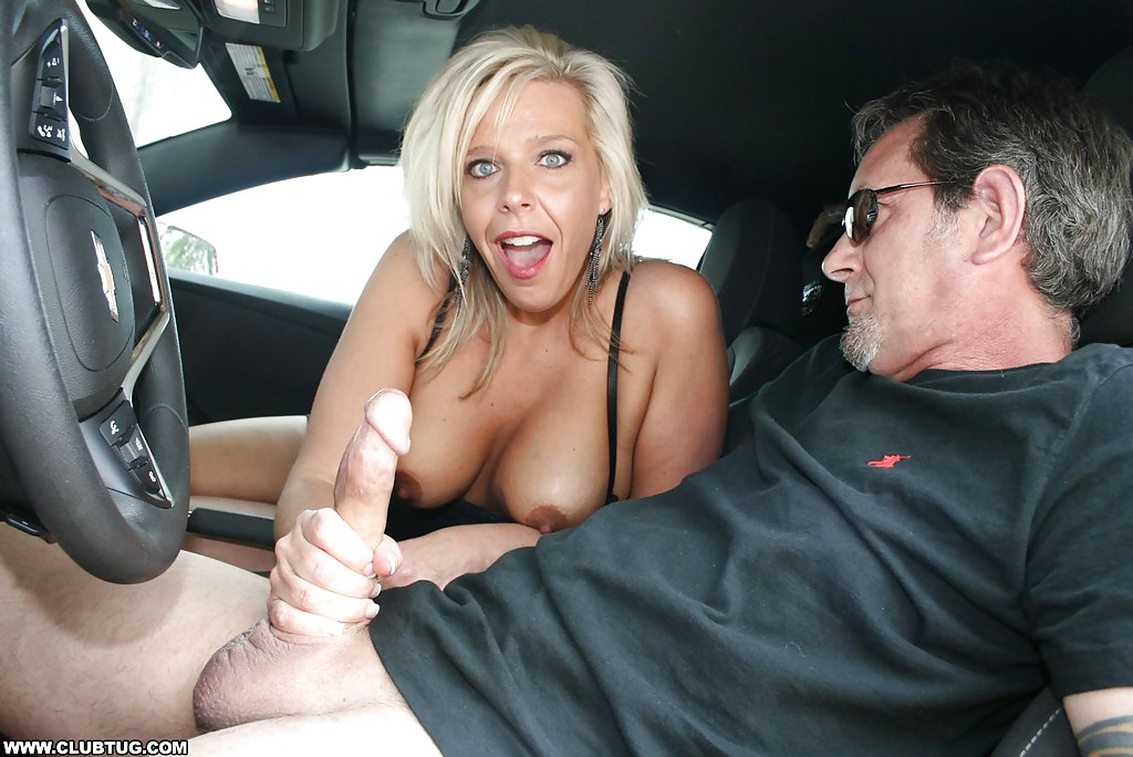 naked-milf-in-cars-pics