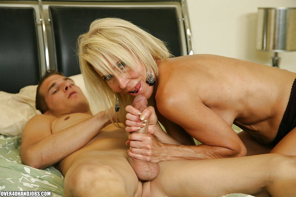 Milf fucks plump dick