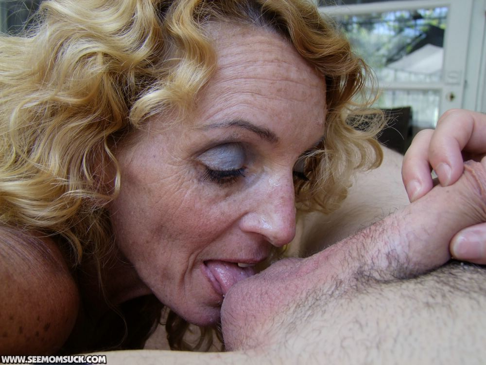 Blonde Milf Outdoor Blowjob