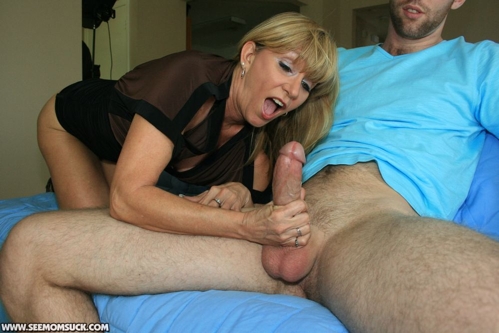 Mature handjob' Search - XNXX. COM