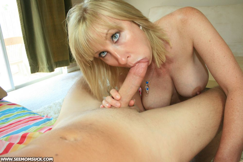 Blonde milf suck