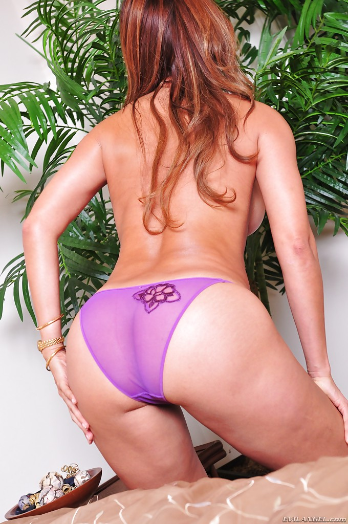 Monique fuentes ass