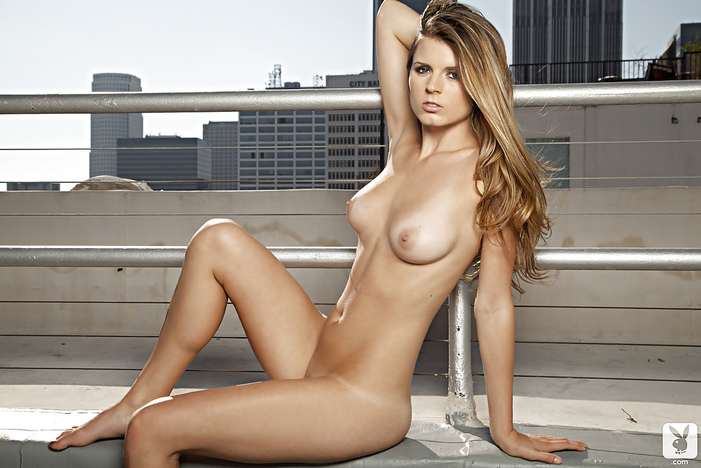 Sizzling Nikki Marie Rooftop Sizzler Playboy Mates Beautiful Girls Pics 1
