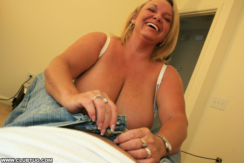 Mature lady wants a big cock