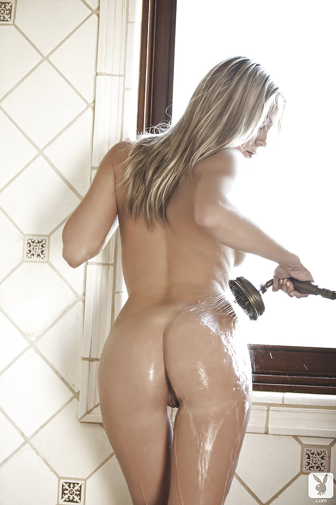 Cute babe Alexandra Lyon slipping off her lingerie and taking a shower